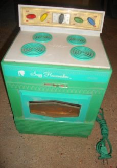 Suzy Homemaker Turquoise Toy Oven