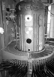 An alleged photograph of the inner workings of Die Glocke from Igor Witkowsk's book.